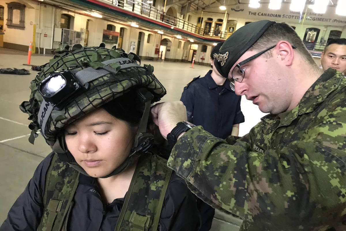 Media gets hands-on training with the Canadian military – Goldstream